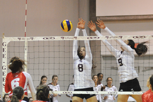 Women's volleyball extends win streak to five