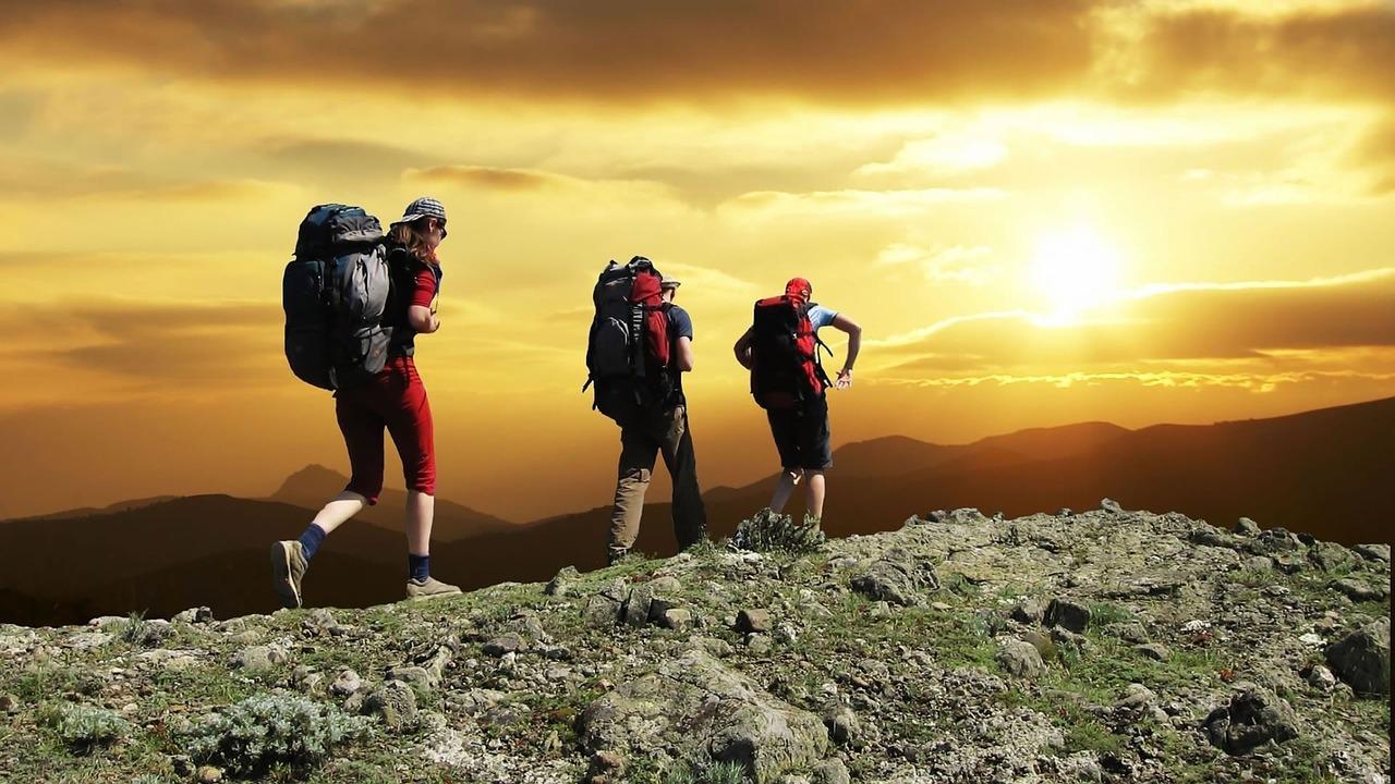 SPO_hiking_cred_CC, Skeeze